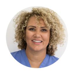 אדריאנה טואג טכנאית השתלות שיער